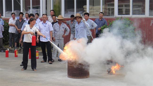 【炜林纳动态】安全生产月之消防应急演练