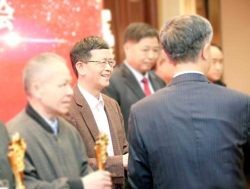 【炜林纳】喜讯:广东炜林纳总经理郑德教授荣获终身成就奖